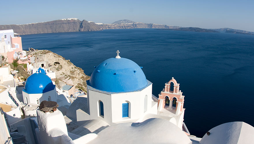 Greek-church-in-Oia-Santorini